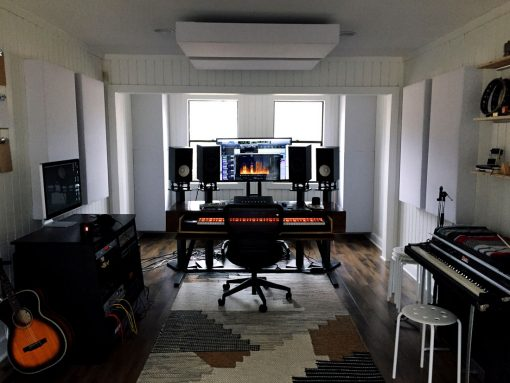 Home studio con bass traps GIK Acoustics