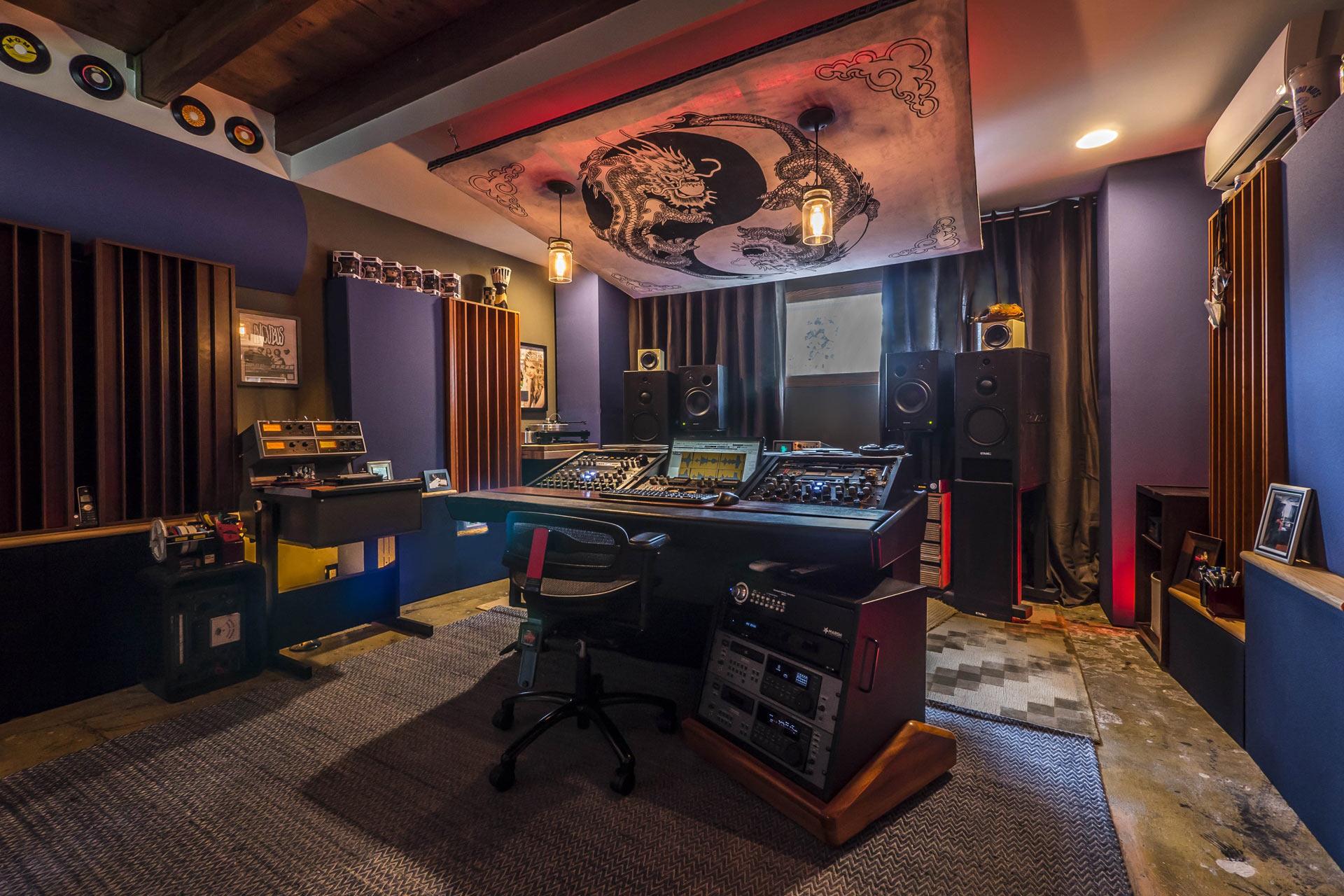 I diffusori GIK Acoustics q7d nello studio professionale Marsh Mastering